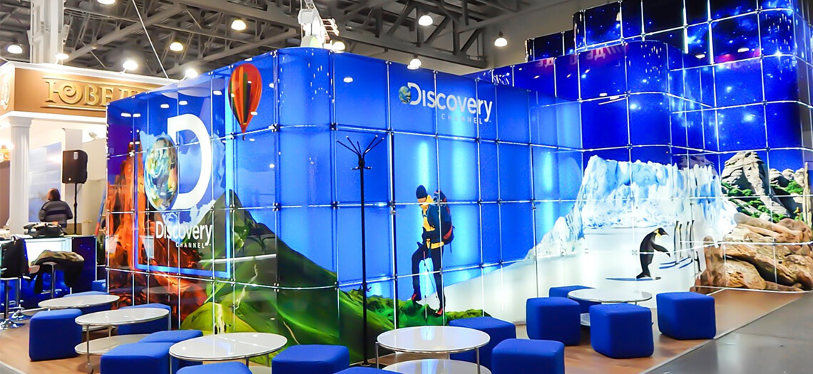 Innovative glass exhibition stands