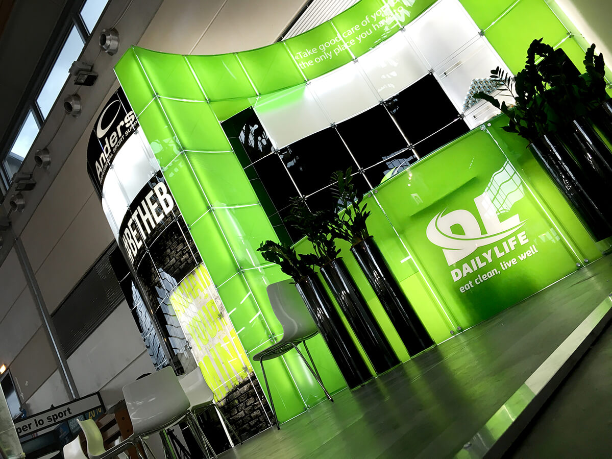 Modular Exhibition Stand Years : Innovative glass exhibition system stands