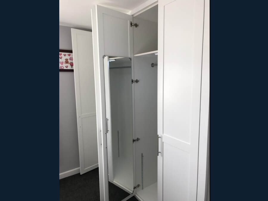 Bespoke wardrobe 5