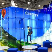 Glass exhibition stands