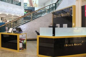 Shopping centre display - iBrow and Beauty 2